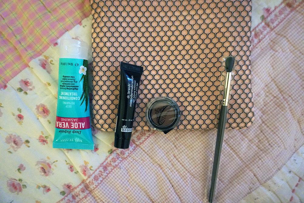 Ipsy-March-2017-Review-Makeup-Reviews-Hair-Skin-Care-LINDATENCHITRAN-9-1616x1080.jpg