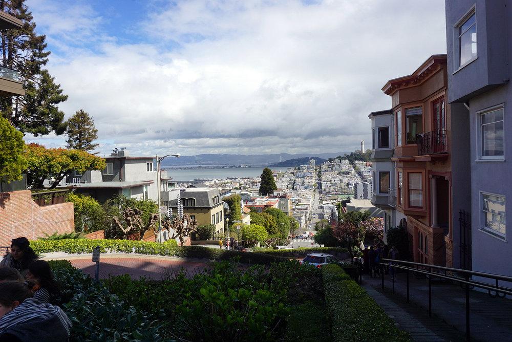 Lombard-Street-San-Francisco-California-Travel-Fast-Furious-LINDATENCHITRAN-1-1616x1080.jpg