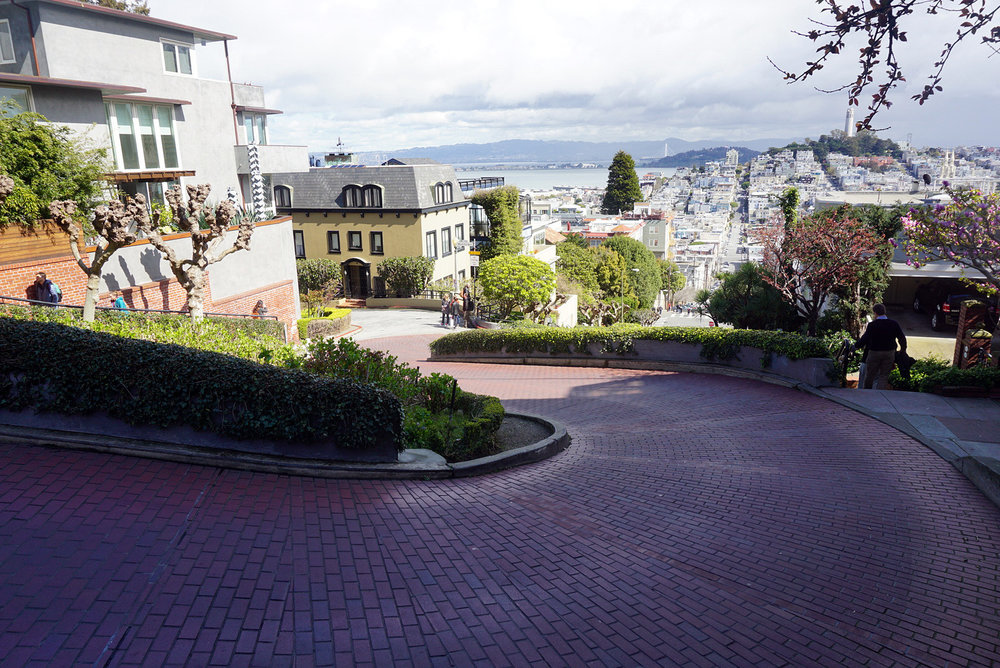 Lombard-Street-San-Francisco-California-Travel-Fast-Furious-LINDATENCHITRAN-4-1616x1080.jpg