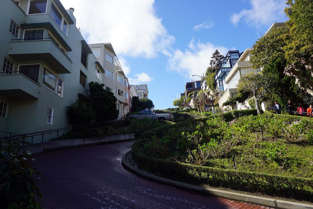Lombard-Street-San-Francisco-California-Travel-Fast-Furious-LINDATENCHITRAN-7-1616x1080.jpg