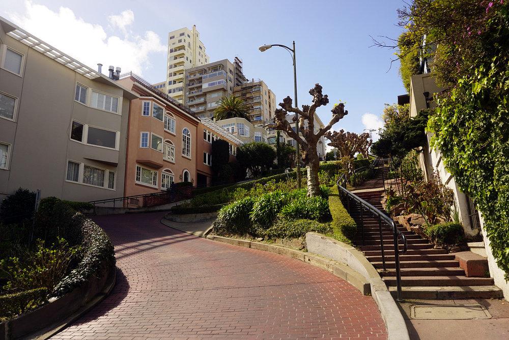 Lombard-Street-San-Francisco-California-Travel-Fast-Furious-LINDATENCHITRAN-11-1616x1080.jpg