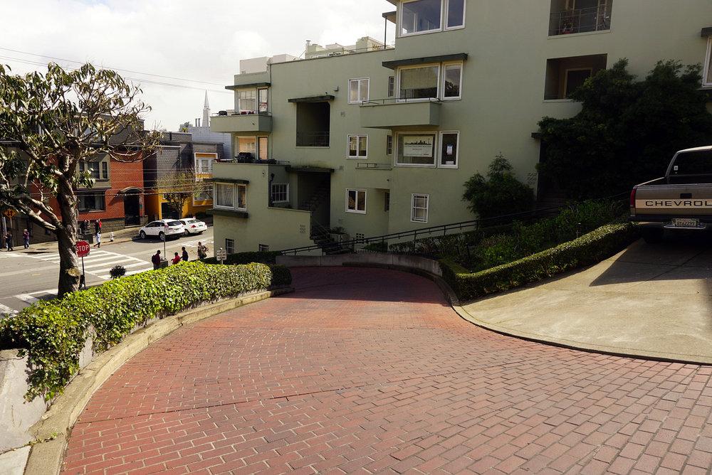 Lombard-Street-San-Francisco-California-Travel-Fast-Furious-LINDATENCHITRAN-12-1616x1080.jpg