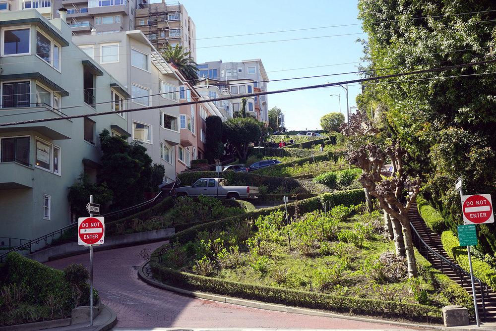 Lombard-Street-San-Francisco-California-Travel-Fast-Furious-LINDATENCHITRAN-9-1616x1080.jpg