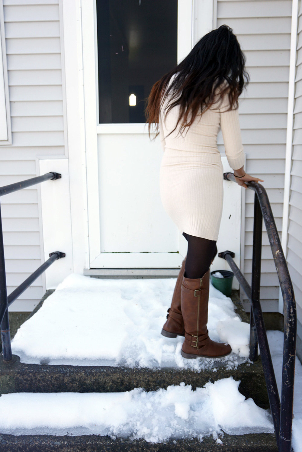 White-Dress-Caramel-Cardigan-Transitioning-To-Spring-Fashionista-Blogger-Style-LINDATENCHITRAN-6-1080x1616.jpg