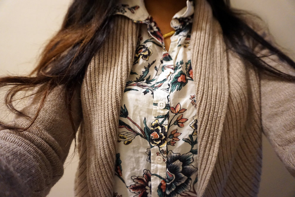 Neutral-Tones-With-Florals-Beige-Cardigan-Floral-Button-Up-Work-Appropriate-Office-Wear-Blogger-Style-LINDATENCHITRAN-12-1616x1080.jpg