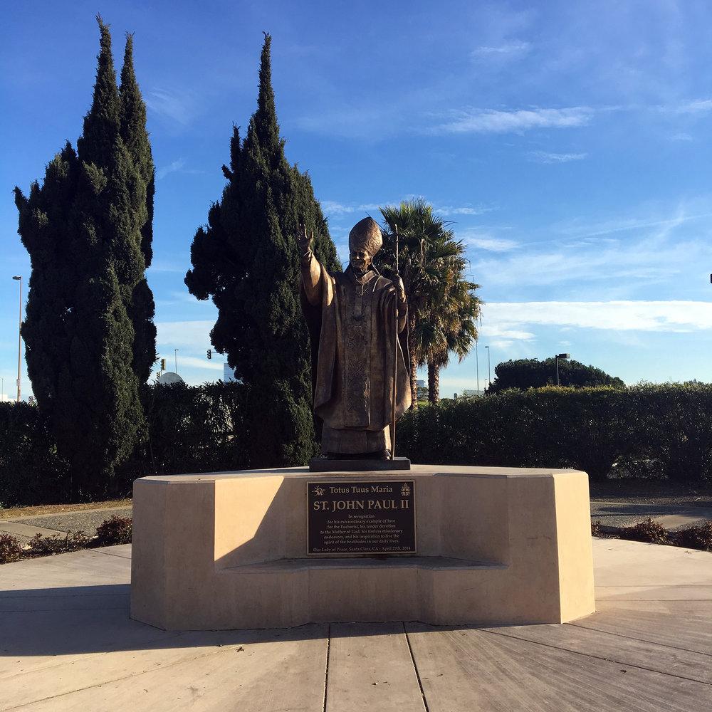 Oakland-California-Statues-Landmarks-Travel-Traveller-LINDATENCHITRAN-Blogger-14-1616x1080.jpg