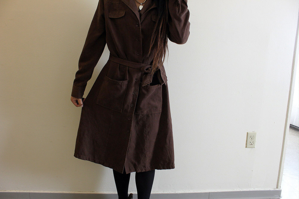 Trench-Coat-Dresses-Work-Appropriate-Office-Wear-Blogger-Style-LINDA-TENCHITRAN-13-1616x1080.jpg