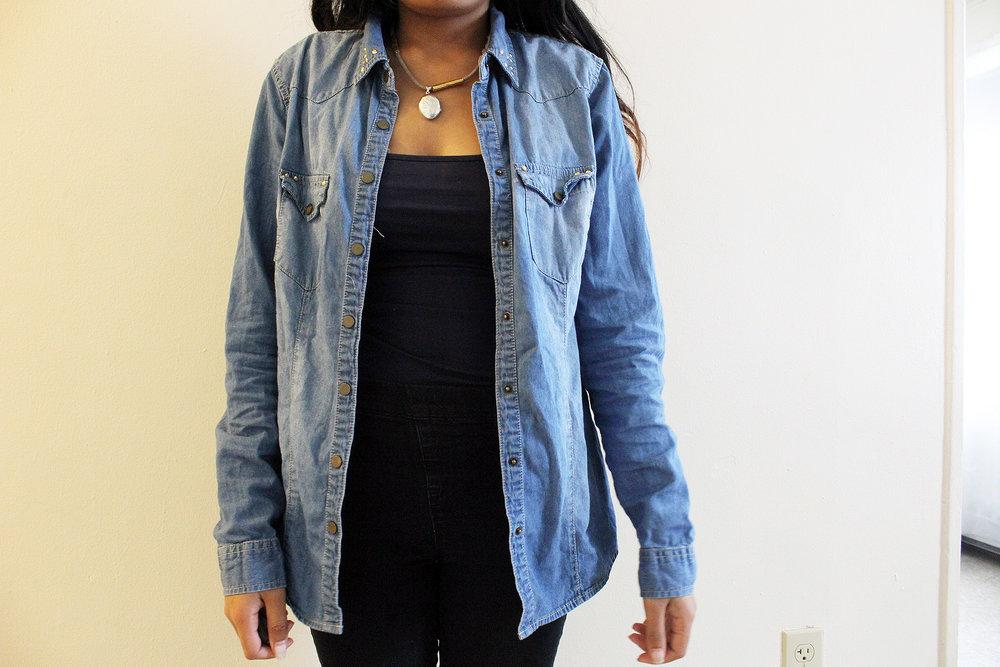 Denim-Shirt-Style-Blogger-Fashionista-Work-Appropriate-Office-Wear-LINDATENCHITRAN-1-1616x1080.jpg