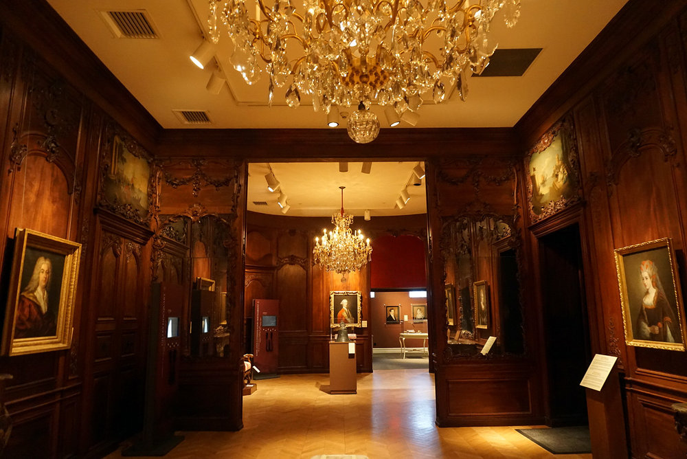 Chateau-Ramezay-Museum-Montreal-Canada-Artwork-Traveller-Travel-Blogger-Lifestyle-LINDATENCHITRAN-7-1616X1080.jpg