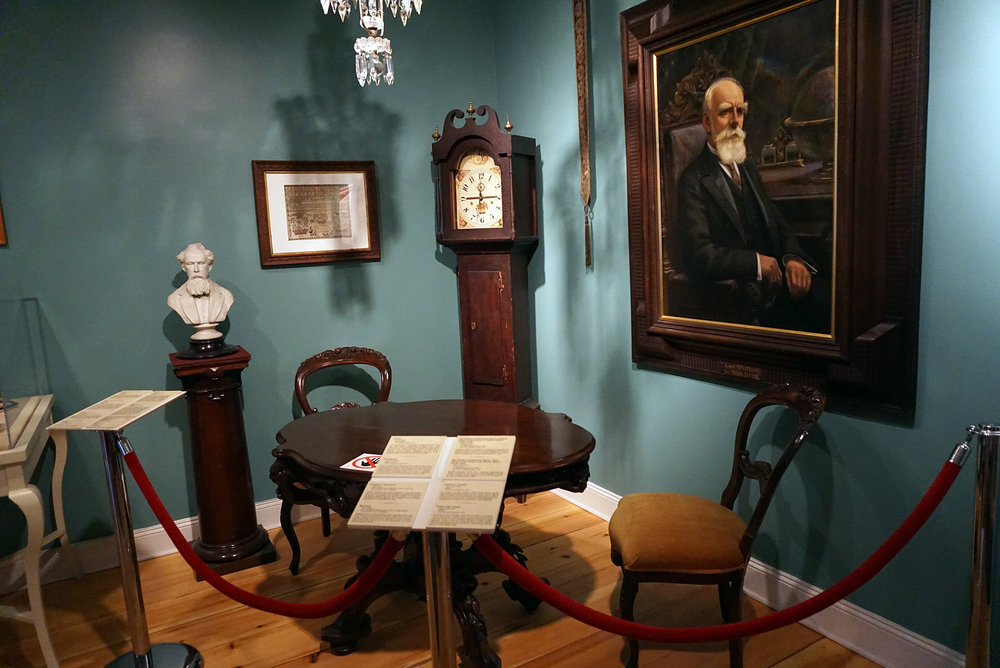 Chateau-Ramezay-Museum-Montreal-Canada-Artwork-Traveller-Travel-Blogger-Lifestyle-LINDATENCHITRAN-12-1616X1080.jpg