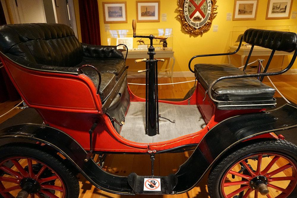 Chateau-Ramezay-Museum-Montreal-Canada-Artwork-Traveller-Travel-Blogger-Lifestyle-LINDATENCHITRAN-15-1616X1080.jpg