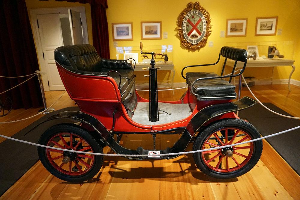 Chateau-Ramezay-Museum-Montreal-Canada-Artwork-Traveller-Travel-Blogger-Lifestyle-LINDATENCHITRAN-14-1616X1080.jpg