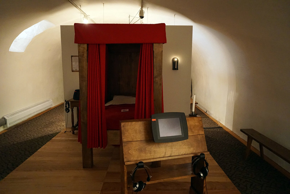 Chateau-Ramezay-Museum-Montreal-Canada-Artwork-Traveller-Travel-Blogger-Lifestyle-LINDATENCHITRAN-24-1616X1080.jpg