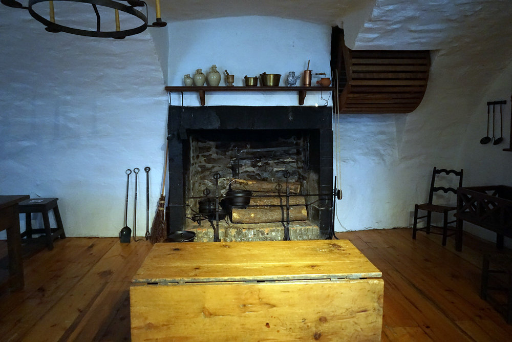 Chateau-Ramezay-Museum-Montreal-Canada-Artwork-Traveller-Travel-Blogger-Lifestyle-LINDATENCHITRAN-30-1616X1080.jpg