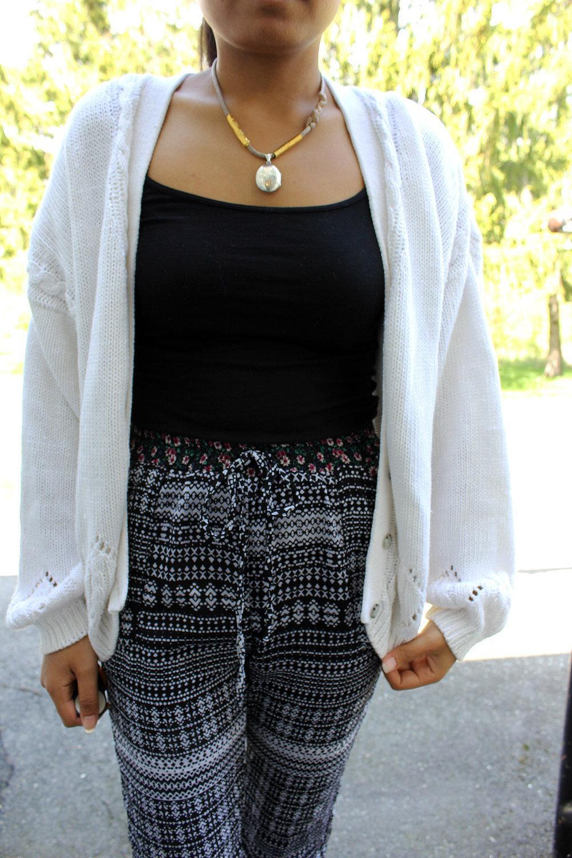 Floral-Pants-Joggers-Sweatpants-Style-Blogger-Fashionista-LINDATENCHITRAN-3-1616x1080.jpg