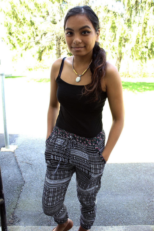 Floral-Pants-Joggers-Sweatpants-Style-Blogger-Fashionista-LINDATENCHITRAN-9-1616x1080.jpg