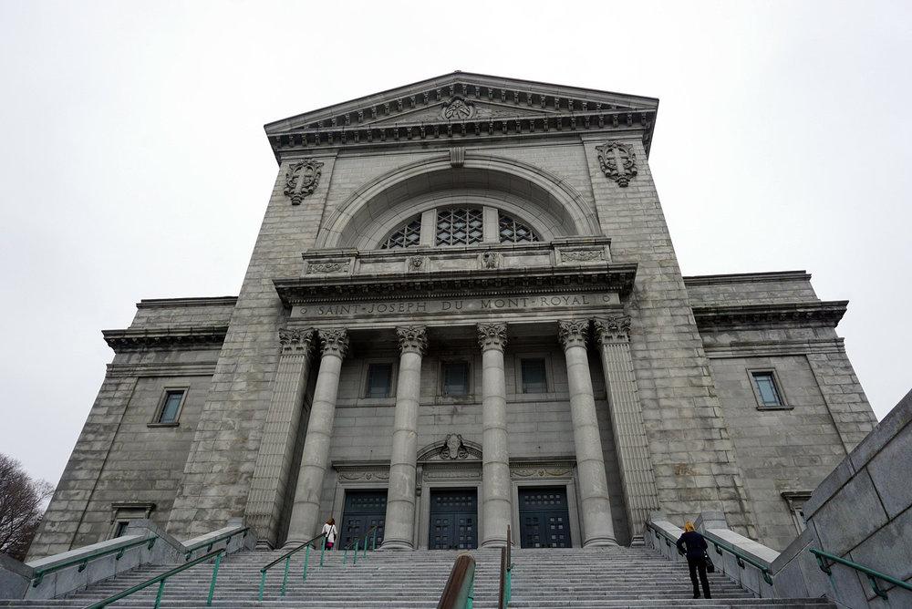 Saint-Joseph's-Oratory-Mount-Royal-Church-Montreal-Canada-Travaller-Travel-Blogger-Lifestyle-LINDATENCHITRAN-3-1616x1080.jpg