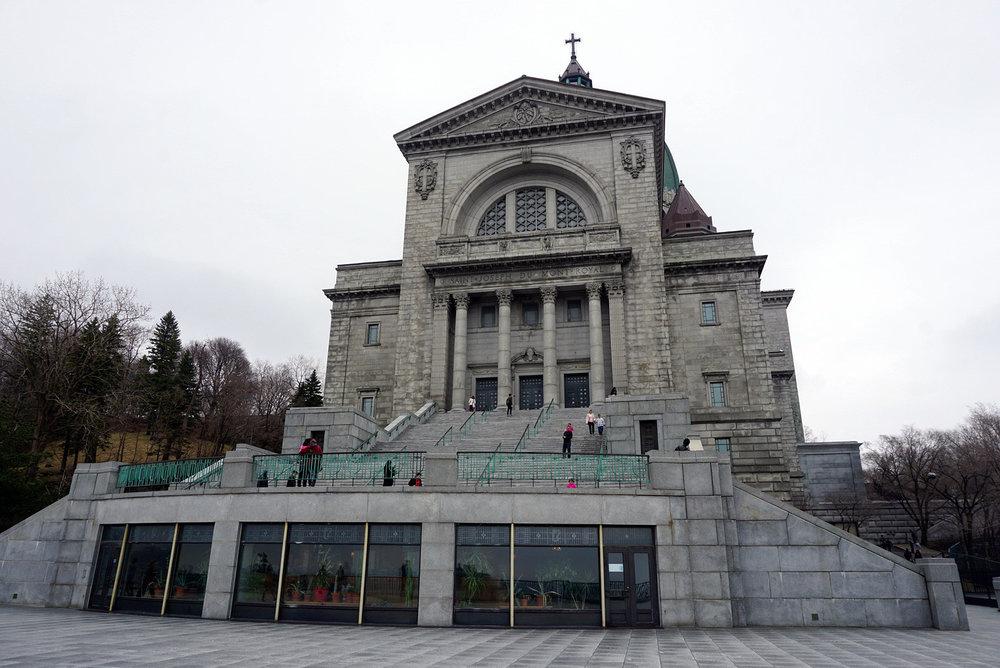 Saint-Joseph's-Oratory-Mount-Royal-Church-Montreal-Canada-Travaller-Travel-Blogger-Lifestyle-LINDATENCHITRAN-8-1616x1080.jpg