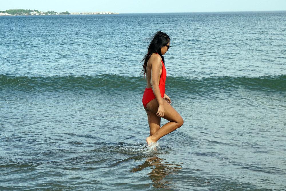Red-One-Piece-Swimsuit-Beach-Summer-Fashion-Style-Blogger-LINDATENCHITRAN-1-1616x1080.jpg