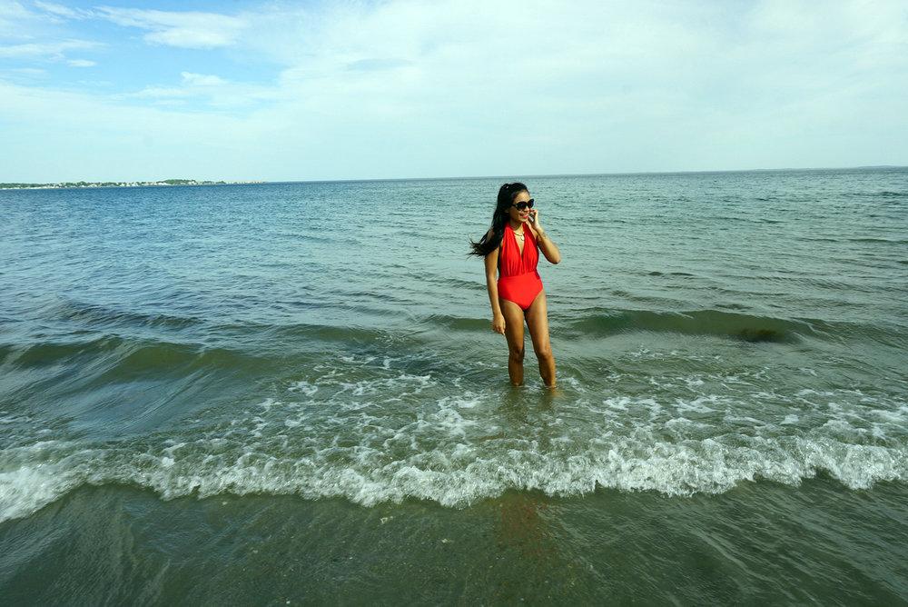 Red-One-Piece-Swimsuit-Beach-Summer-Fashion-Style-Blogger-LINDATENCHITRAN-8-1616x1080.jpg