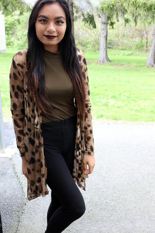 Styling-Leopard-Cardigans-Olive-Green-Bodysuit-Work-Appropriate-Office-Wear-Style-Blogger-LINDATENCHITRAN-4-1616x1080.jpg