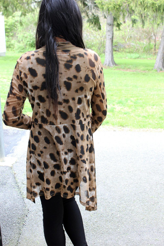 Styling-Leopard-Cardigans-Olive-Green-Bodysuit-Work-Appropriate-Office-Wear-Style-Blogger-LINDATENCHITRAN-7-1616x1080.jpg