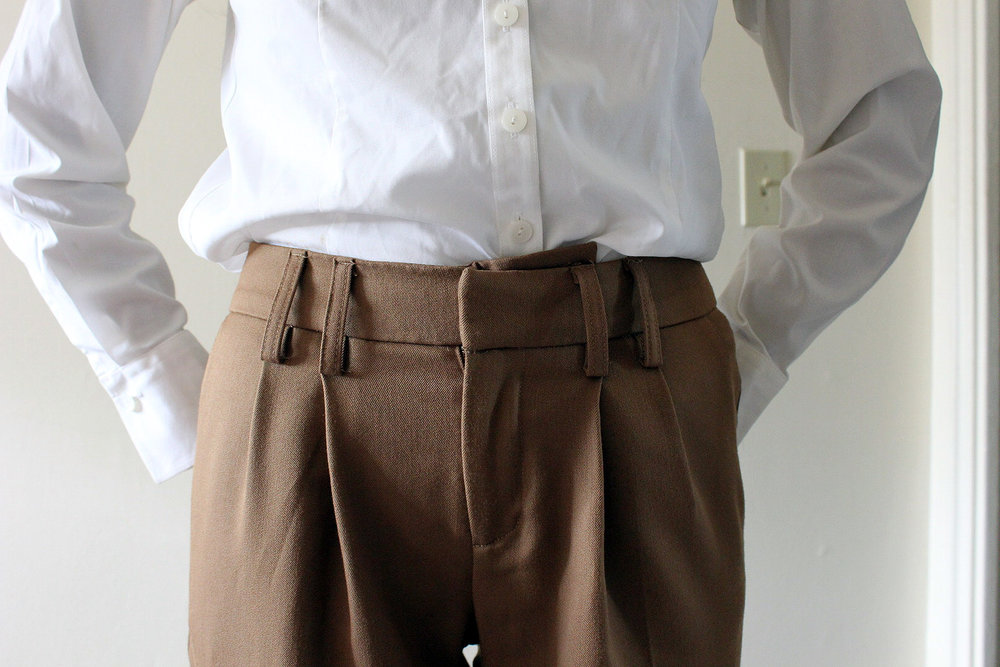 Camel-Dress-Pants-White-Button-Down-Professional-Office-Wear-Style-Blogger-LINDATENCHITRAN-5-1616x1080.jpg