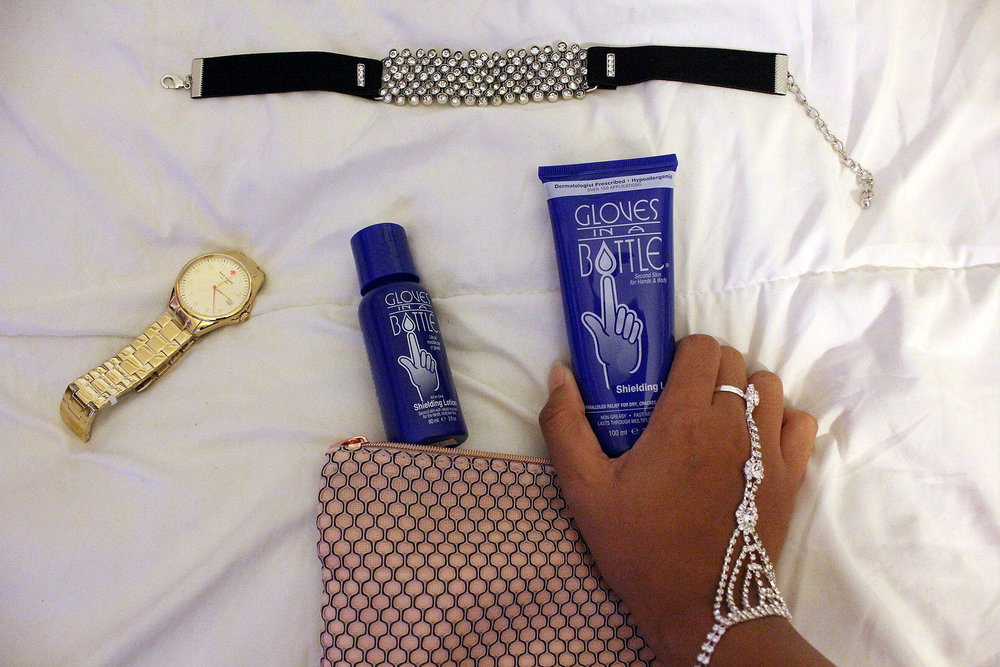 Gloves-In-A-Bottle-Shielding-Lotion-Review-Blogger-LINDATENCHITRAN-5-1616x1080.jpg