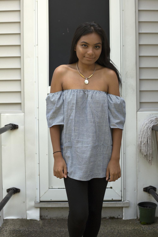 Striped-Off-The-Shoulders-Romwe-Style-Blogger-LINDATENCHITRAN-2-1616x1080.jpg