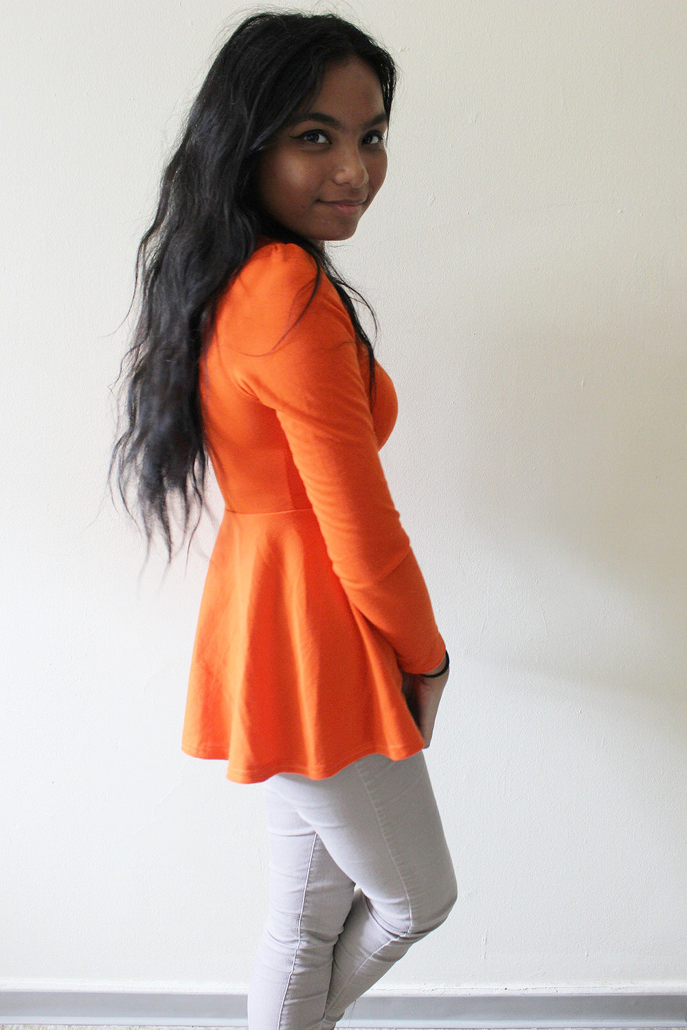 Orange-Top-Fall-Outfits-Style-Blogger-Fashionista-LINDATENCHITRAN-4-1616x1080.jpg