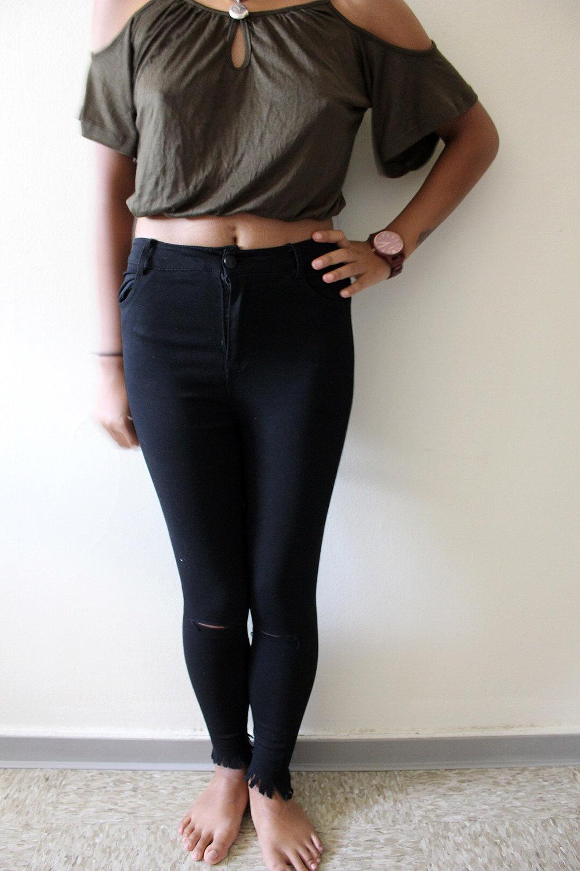 Army-Green-Ripped-Jeans-Shein-Fall-Style-Blogger-FASHIONISTA-LINDATENCHITRAN-2-1616x1080.jpg