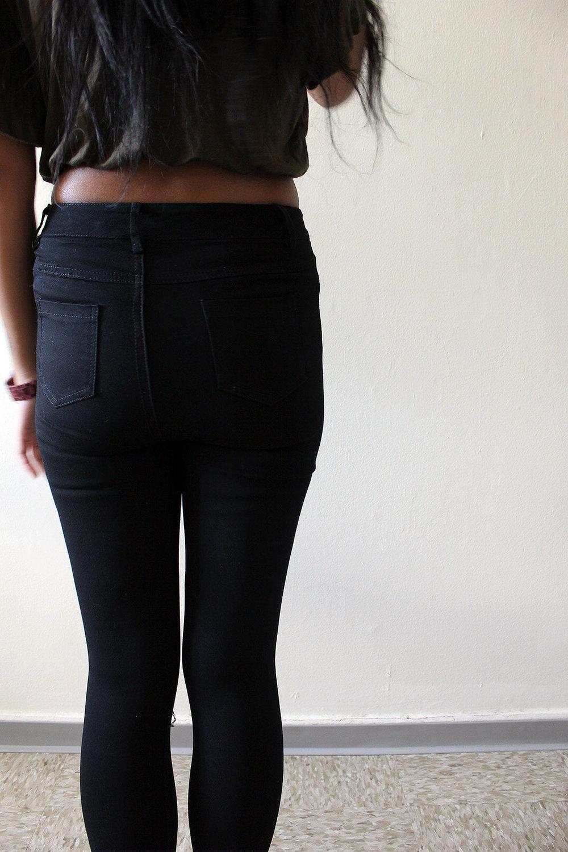 Army-Green-Ripped-Jeans-Shein-Fall-Style-Blogger-FASHIONISTA-LINDATENCHITRAN-4-1616x1080.jpg
