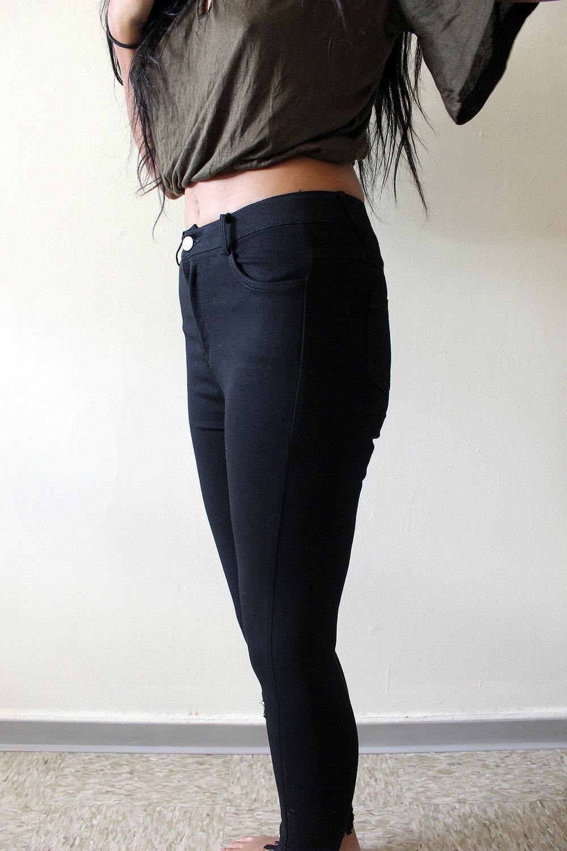 Army-Green-Ripped-Jeans-Shein-Fall-Style-Blogger-FASHIONISTA-LINDATENCHITRAN-5-1616x1080.jpg