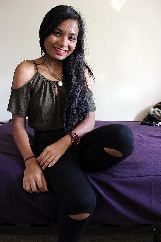 Army-Green-Ripped-Jeans-Shein-Fall-Style-Blogger-FASHIONISTA-LINDATENCHITRAN-6-1616x1080.jpg