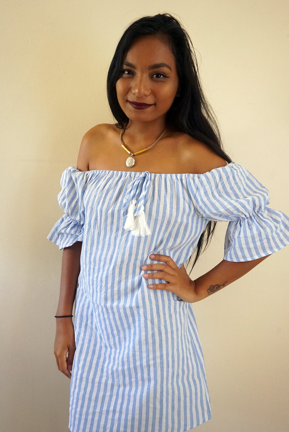 Off-the-shoulder-striped-dress-summer-fall-style-blogger-LINDATENCHITRAN-3-1616x1080.jpg