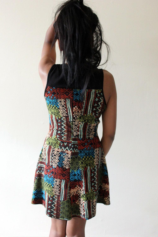 Patterned-Dress-Fall-Style-Blogger-Fashionista-LINDATENCHITRAN-2-1616x1080.jpg