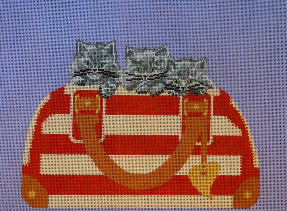 3 KITTENS IN PURSE - TKIP104 18 Mesh Shown; also available in 13