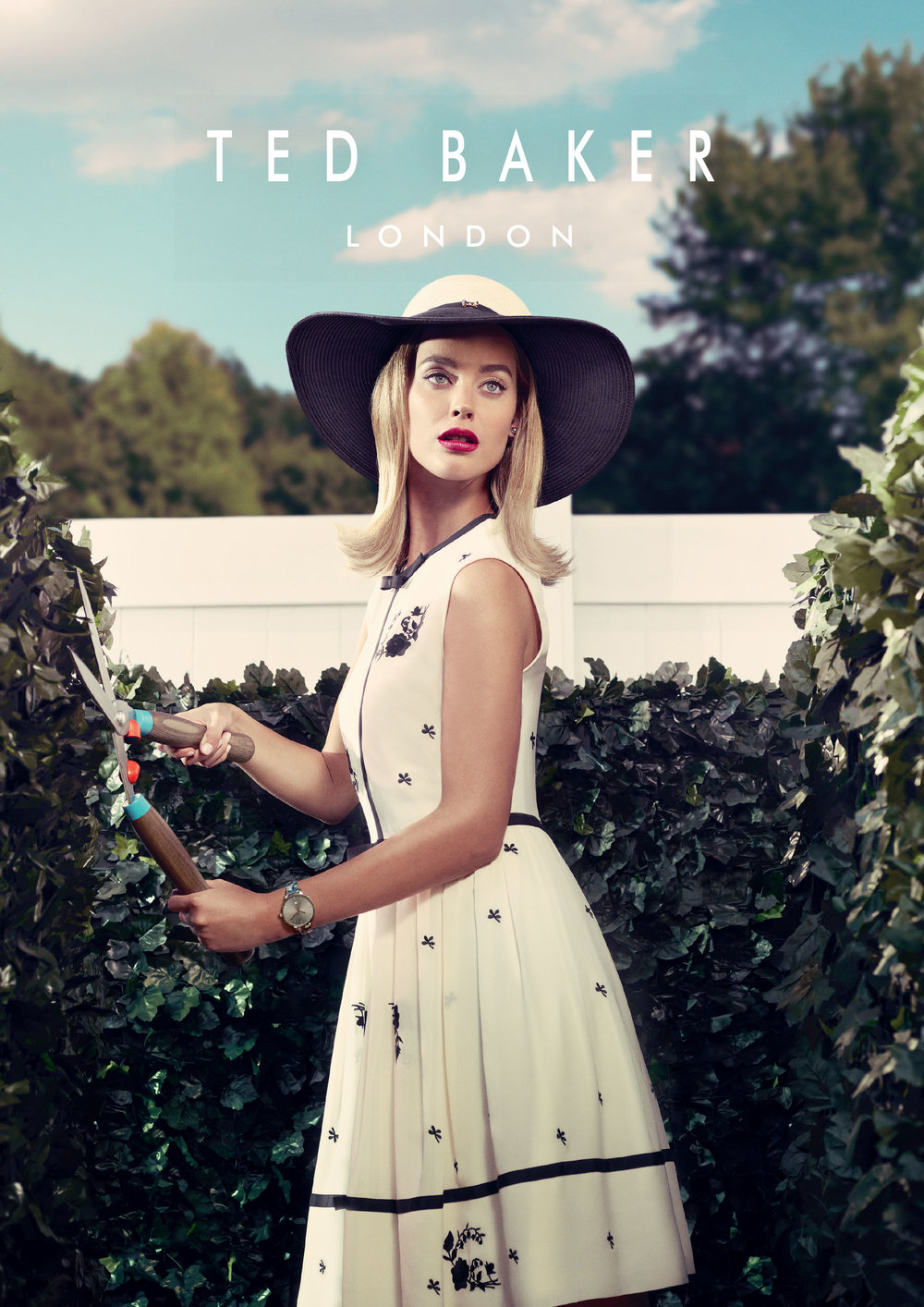 ted-baker_autumn-winter-17-watches-advert_scorpio-worldwide_travel-retail-distributor