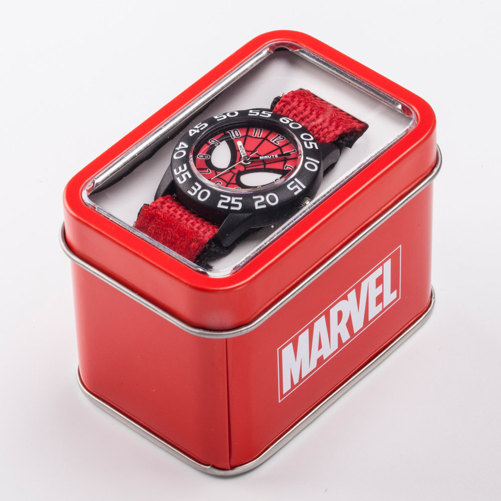 DIW003252-packaging_disney-marvel_watches.jpg
