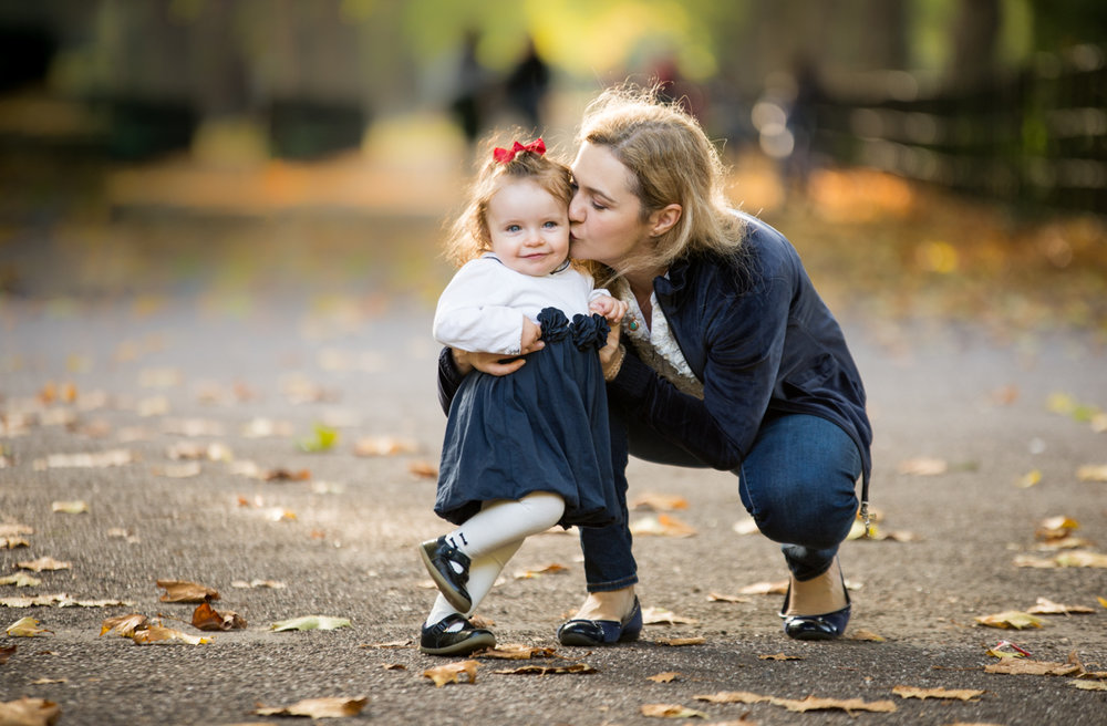 Mother and daughter portrait session in Battersea Park