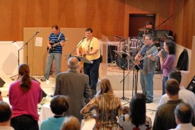 2012 Praise Band DSH_2312 4x6.jpg