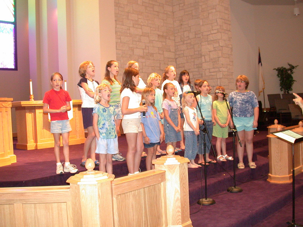 2002 Kids Choir DSCN4332.JPG