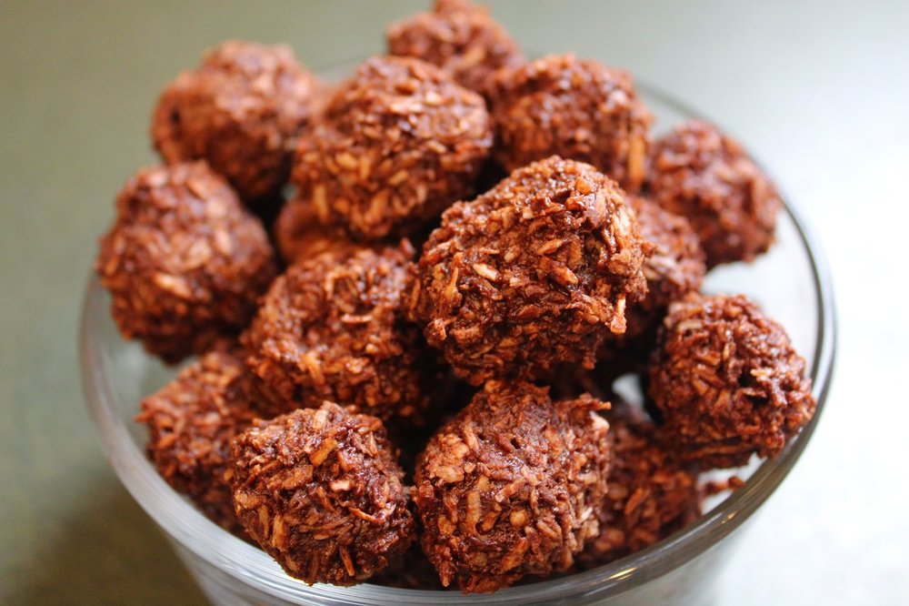 Chocolate coconut macaroon with no processed sugar and sweetened with maple syrup