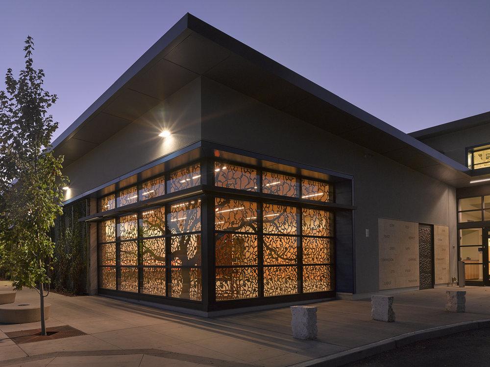Gideon Hausner School, Palo Alto, CA   Custom tree design, Window panels   Studio Bondi Architecture