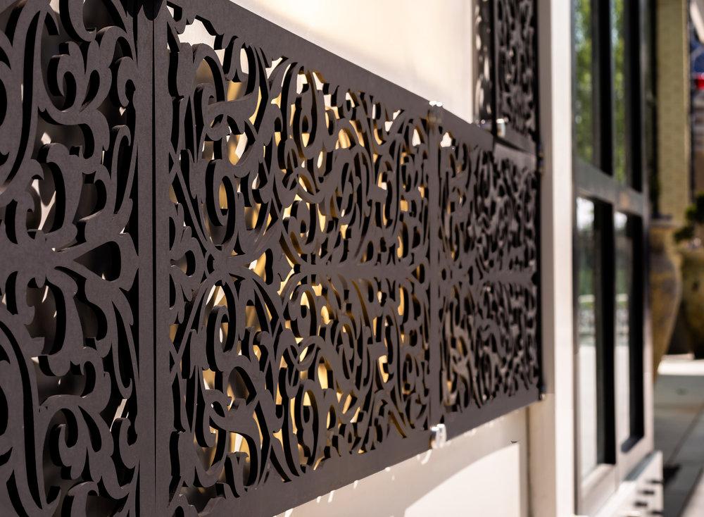 Ornate Damask pattern, outdoor panel