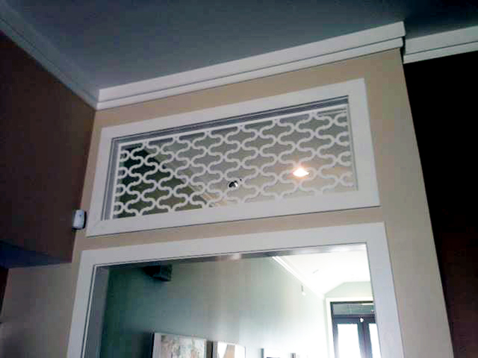 Double Horseshoe pattern, door divider