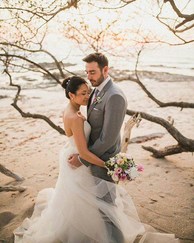 Once in awhile, right in the middle of an ordinary life, love gives us a fairy tale ❤ // Photo by @costavidaphoto. Floral design by @eventosartesanos. . . . #costaricabeachwedding #beachweddingdecor #travelandgetmarried #weddinginspo #weddingstyling #weddingdecor #costaricawedding #weddingplanner #costaricaweddingdecor #weddingplannercostarica #destinationwedding #costaricaweddingplanner #bohowedding #bohoweddingtheme #bohoweddingideas #bohoweddinginspo #costaricaflorist #costaricavenue #costaricaweddingphotography #fourwindsweddings