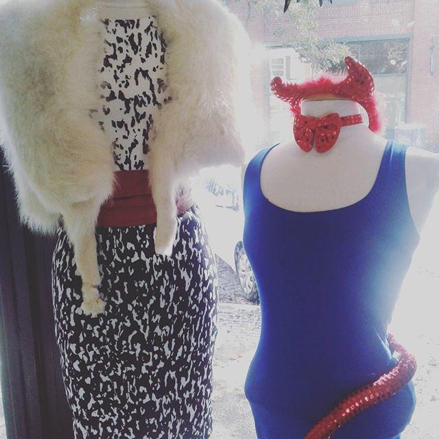 Cruella Deville or Devil in a Blue Dress! #halloweencostume #classiccostumes #closetrevival