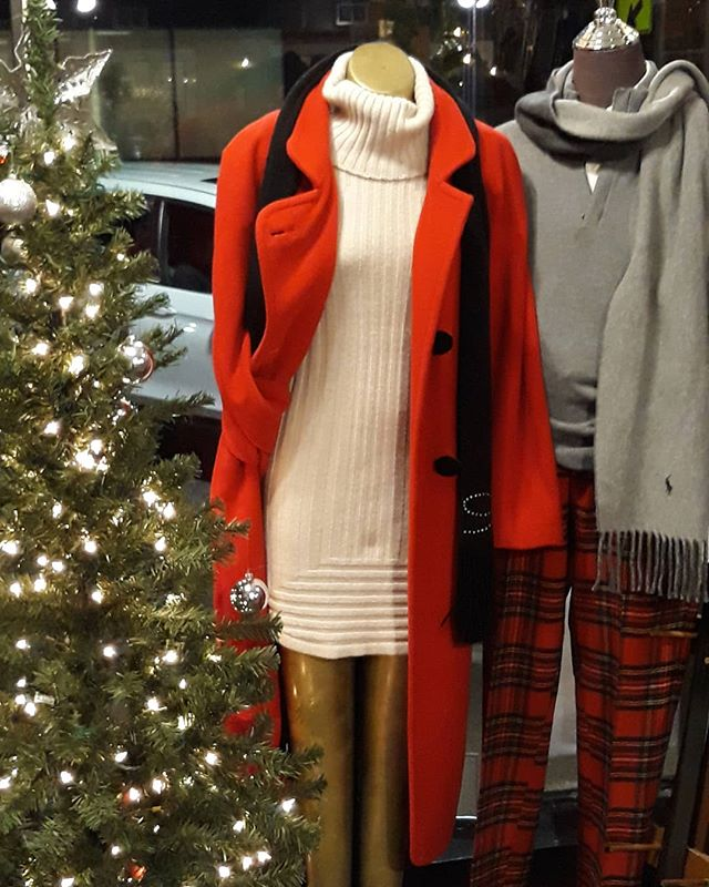 Dress festive for the holidays! #plaidpants #vintageclothing #consignment