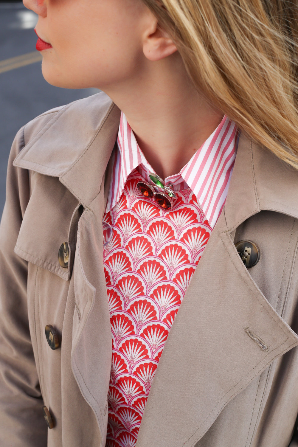 how-to-wear-a-brooch.jpg